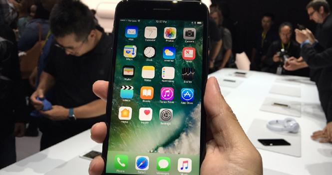 """Thực hư mác """"chính hãng"""" iPhone bán tại Việt Nam"""