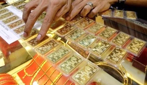 """SJC bán vàng """"chặt chém"""" nhất thị trường, người mua rủi ro"""