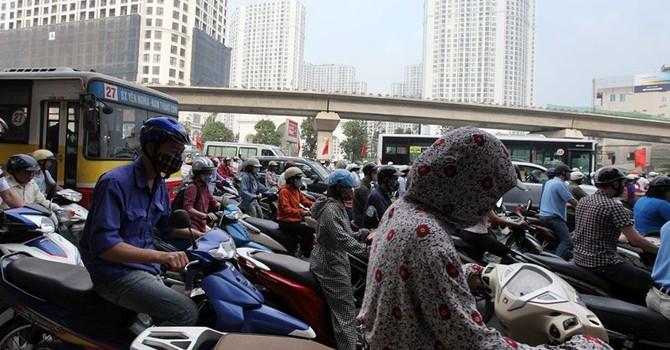Hiến kế chống ùn tắc: Cấm taxi giờ cao điểm sẽ mở ra lối thoát