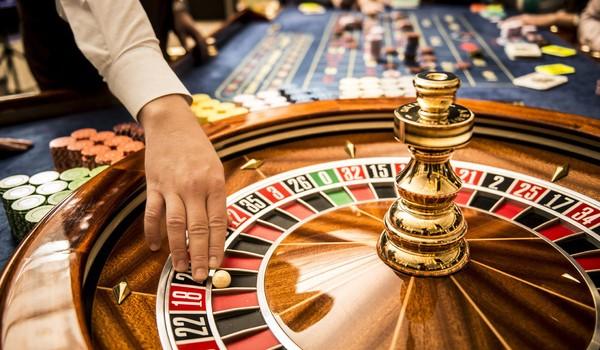 """Bí mật của casino: Tiền """"thắng bạc"""" vào túi ai?"""
