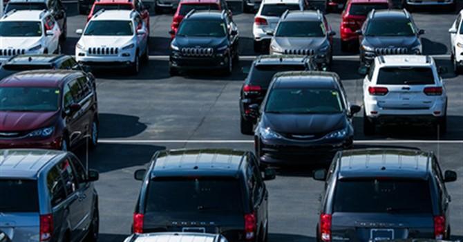 Ế ẩm, các hãng xe hơi Mỹ ồ ạt giảm giá