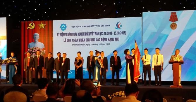 Hiệp hội Doanh nghiệp TP.HCM đón nhận Huân chương Lao động Hạng Nhì