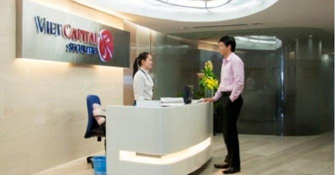 Hai nhân viên Chứng khoán Bản Việt bị thu hồi cổ phiếu ESOP