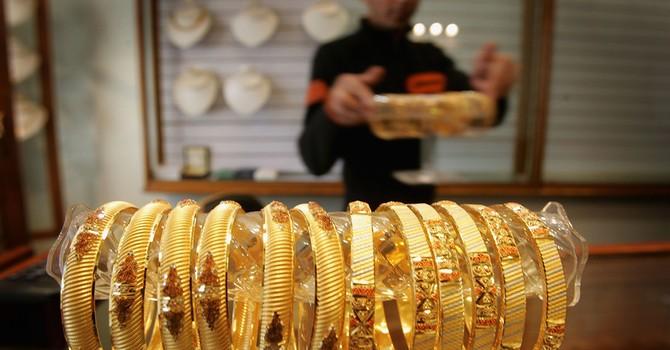 Giá vàng chạm đáy 1 tháng vì chứng khoán toàn cầu khởi sắc