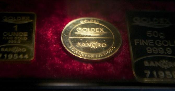 Giá vàng lao xuống đáy 5 năm