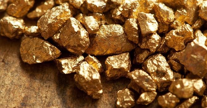 Giá vàng chốt tuần giảm mạnh nhất từ giữa tháng 7
