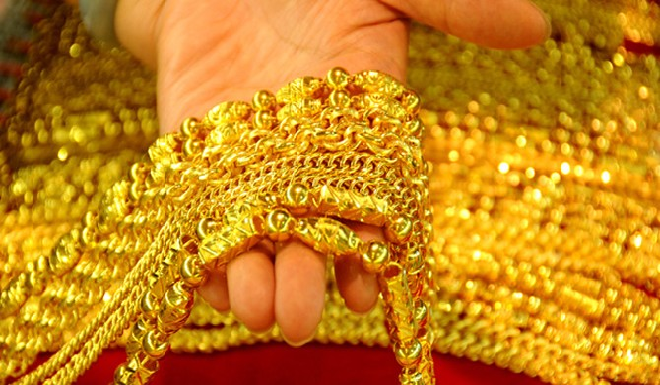 Giá vàng suy sụp khi le lói dấu hiệu tích cực từ Hy Lạp