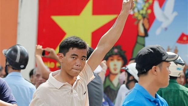 """Huffington Post: Việt Nam không """"gieo gió"""" thì chẳng sợ """"gặp bão"""""""