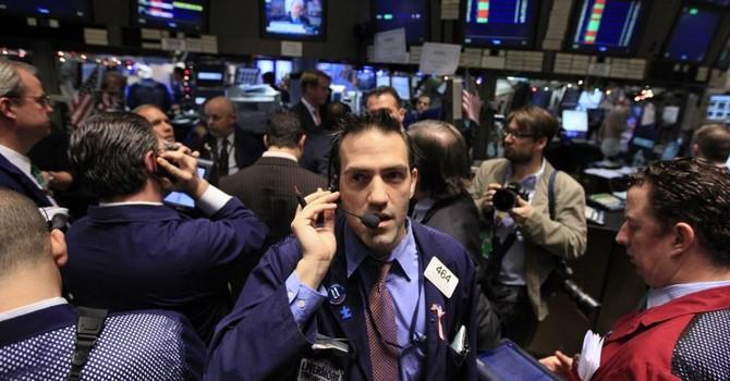 """Nhóm cổ phiếu bluechip """"dìm"""" chứng khoán Mỹ"""