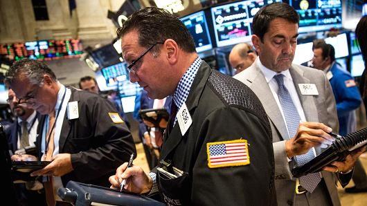Chứng khoán Mỹ tăng điểm nhờ dầu thô mất giá