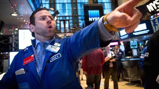 Chứng khoán Mỹ giảm điểm nhẹ vì lo ngại Hy Lạp