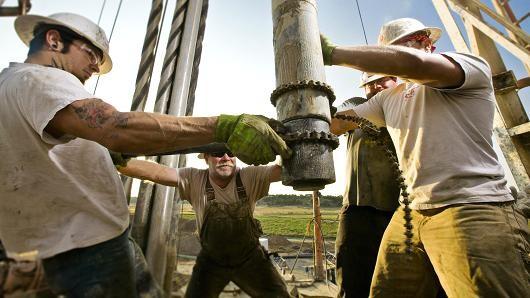 Giá dầu nối quãng giảm dài nhất từ tháng Hai