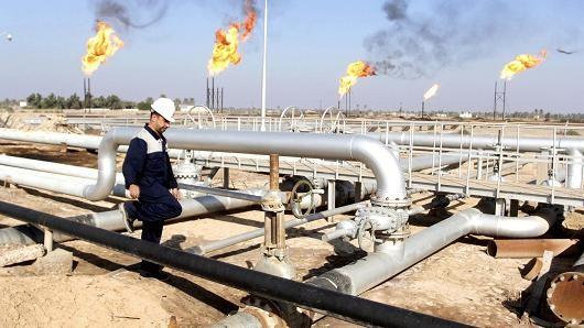 Giá dầu vượt mốc 50USD lần đầu trong 4 tháng