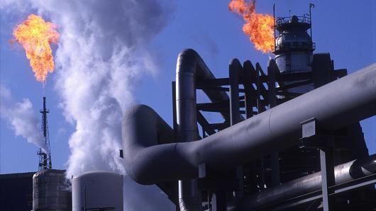 Giá dầu giảm khi trữ lượng gia tăng