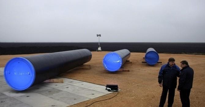 Giá dầu giảm bất chấp tồn kho dầu thô sụt mạnh bất ngờ
