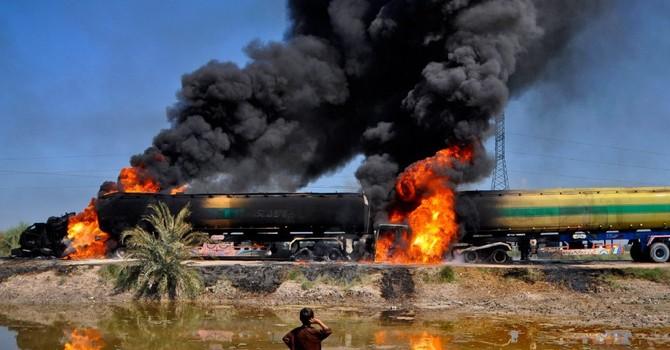 Thỏa thuận cắt sản lượng dầu thô của OPEC trên bờ vực đổ vỡ