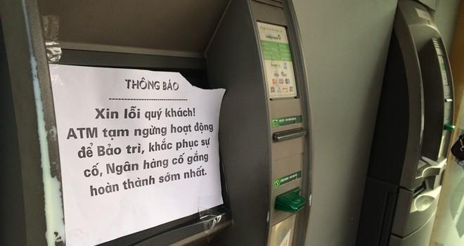 Chưa nghỉ lễ, khách đã than không rút được tiền ở ATM
