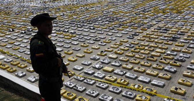 Mổ xẻ bí kíp kinh doanh hàng cấm của xã hội đen Mexico