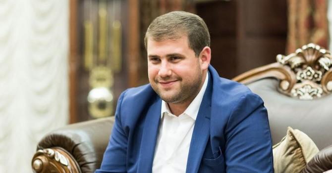 """""""Chiêu"""" trộm 1 tỷ USD trong 3 ngày của siêu lừa làm rúng động Moldova"""