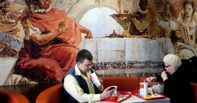Bất chấp ế ẩm, McDonald's mở thêm nhà hàng tại Nga