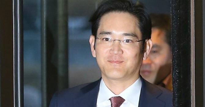 """Người thừa kế đế chế Samsung đối mặt 3 vấn đề """"nhức óc"""" (P2)"""