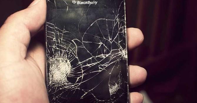 Ngân hàng Mỹ đồng loạt bỏ rơi BlackBerry