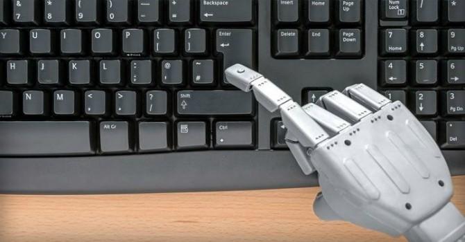 """Khi robot """"cướp cơm"""" nghề báo"""