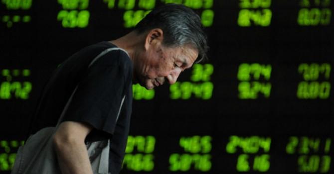 """Tăng mạnh nhất 6 năm, chứng khoán Trung Quốc vẫn """"liệt nửa người"""""""