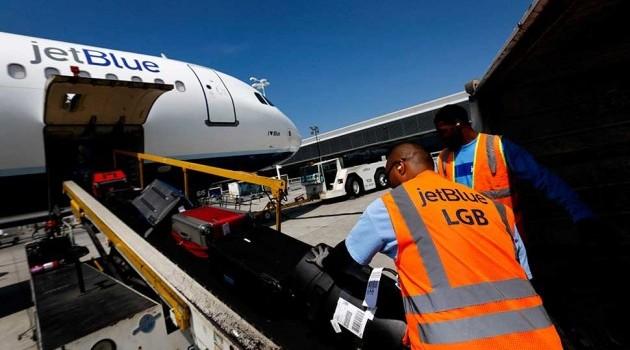 Thu hàng tỷ USD từ phí hành lý hàng không