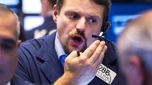 Cổ phiếu công nghệ ghìm S&P 500