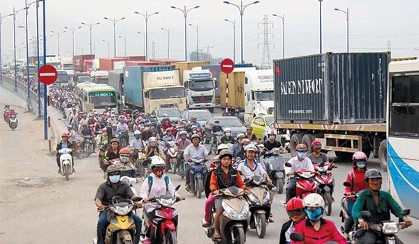 Vì sao TP HCM muốn tăng phí đăng ký ô tô gấp 5 lần?