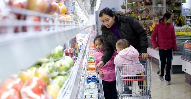 Chỉ số niềm tin tiêu dùng Việt Nam giảm mạnh nhất Châu Á - Thái Bình Dương
