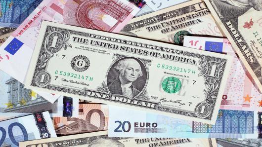 Đồng USD tăng mạnh nhất 2 năm
