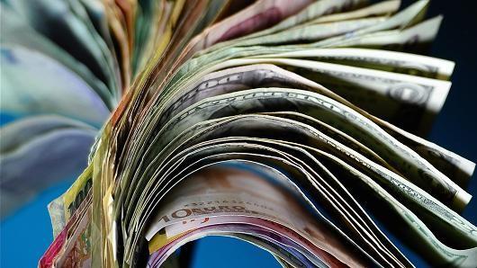 Đồng USD lên đỉnh 7 tháng