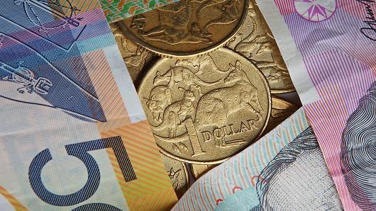 Đồng USD tăng so với euro và đồng tiền các nước xuất khẩu dầu