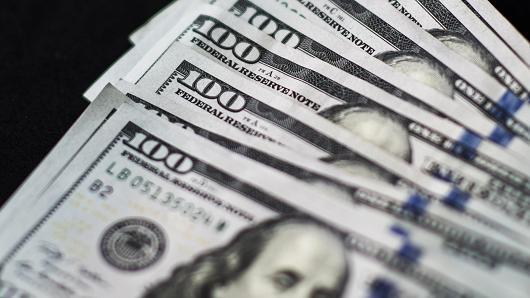 Đồng USD leo dốc phiên thứ 4 liên tiếp