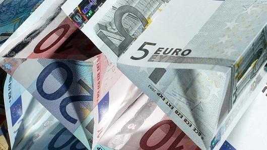 Đồng USD tăng giá so với các đồng tiền châu Âu trước nguy cơ từ vụ khủng bố