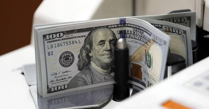 """Đồng USD """"đổ đèo"""" vì bất ổn xoay quanh bầu cử Tổng thống Mỹ"""