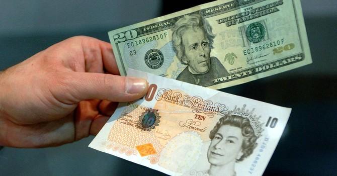 """Bảng Anh và euro """"thắng thế"""" so với đồng USD trước thềm bỏ phiếu Brexit"""