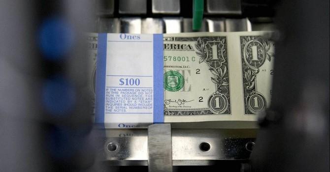 Đồng USD leo dốc nhờ số liệu kinh tế Mỹ khởi sắc