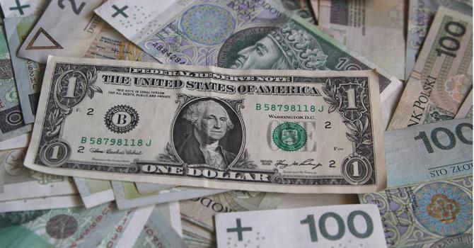 Đồng USD chốt tuần tại đáy 3 tuần