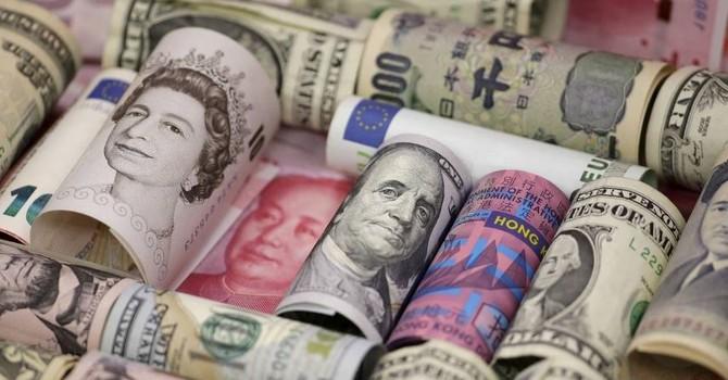 Đồng USD tiếp tục giảm giá sau số liệu kinh tế Mỹ gây thất vọng