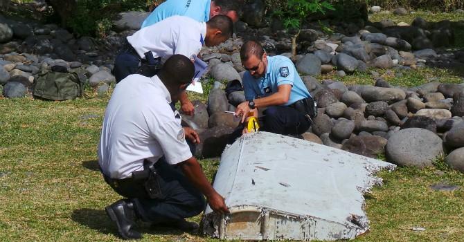 Manh mối mới từ mảnh vỡ của MH370