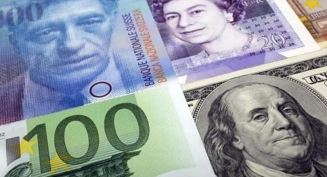 """Đồng USD """"leo dốc"""" so với một loạt đồng tiền chủ chốt"""
