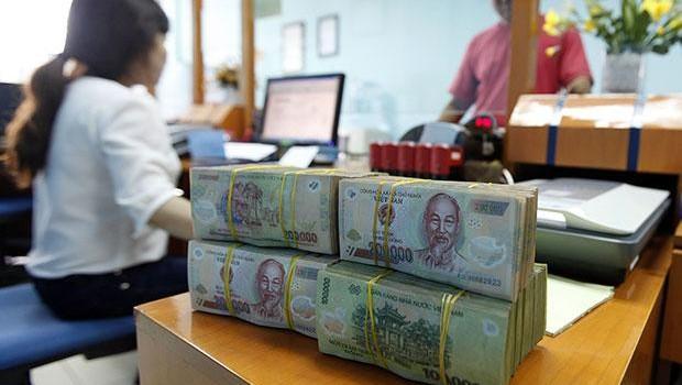 Bloomberg: Việt Nam đối mặt rủi ro khi kìm hãm lợi suất trái phiếu