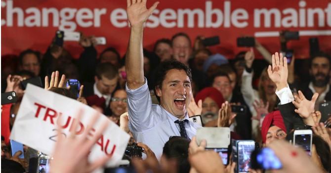 Canada: Tân Thủ tướng 43 tuổi giành chiến thắng ngoạn mục trước ông Harper