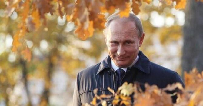 Lệnh trừng phạt là phao cứu sinh của kinh tế Nga, làm ông Putin mạnh lên?