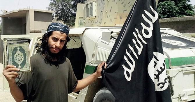 """Chân dung kẻ bị tình nghi """"kiến thiết"""" vụ khủng bố đẫm máu tại Pháp"""