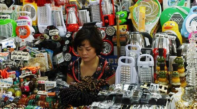 Chỉ số niềm tin người tiêu dùng Việt Nam lần đầu tiên lên cao nhất châu Á