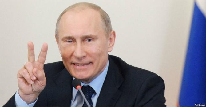 """Tại sao ông Putin không cần """"bắt chước"""" Ngân hàng Trung ương châu Âu?"""